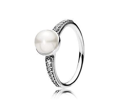 Elegant Beauty Ring