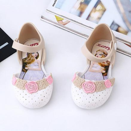 Flower Decorated Hollowed Shoes (4515447)
