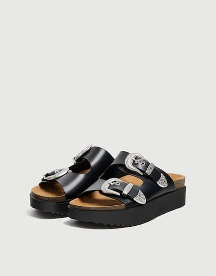 BUCKLED COWBOY-STYLE SANDALS